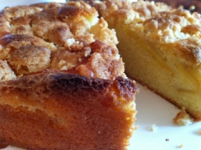 Bake 26 (Halfway There!) – Apple Crumble Cake