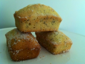 Bake 31: Old Fashioned Lemon and Poppyseed Cake