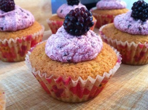 Bake 36: Blackberry Cupcakes